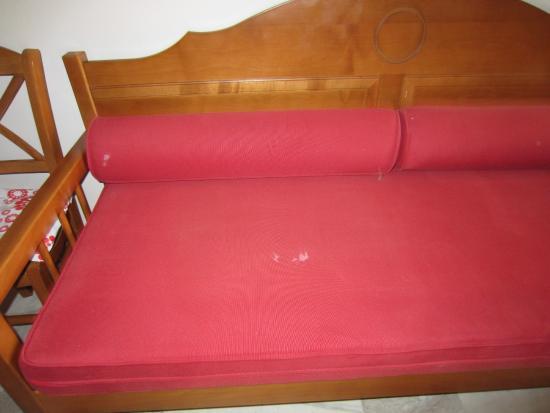 Constantin Apartment Hotel : Sofa på rommet
