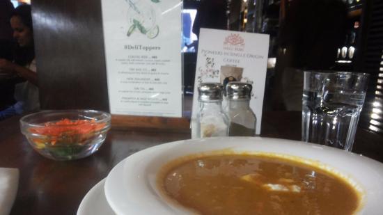"Indigo Delicatessen : white bean ""soup of the day"""