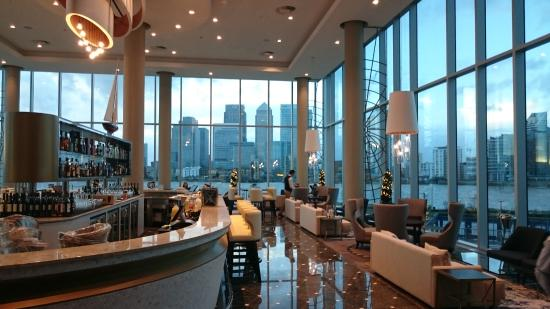 Clipper bar view of canary wharf picture of for Hotels 02 london