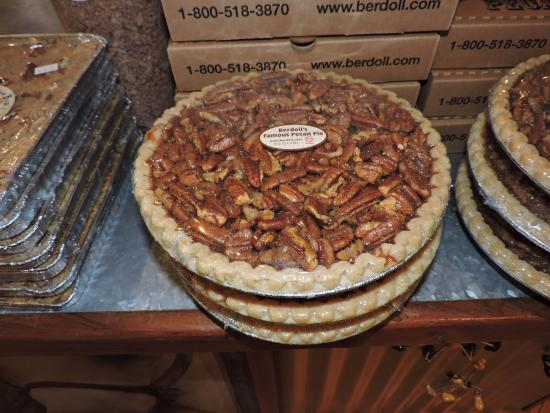Cedar Creek, TX: Need a pecan pie? This is the place!