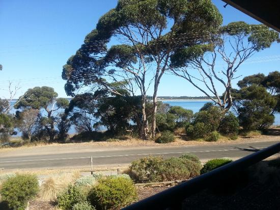 Mercure Kangaroo Island Lodge: Daytime view from Bayview Room at Mercure KI Lodge
