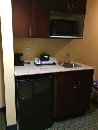 Holiday Inn Express Hotel & Suites Lubbock West: photo1.jpg