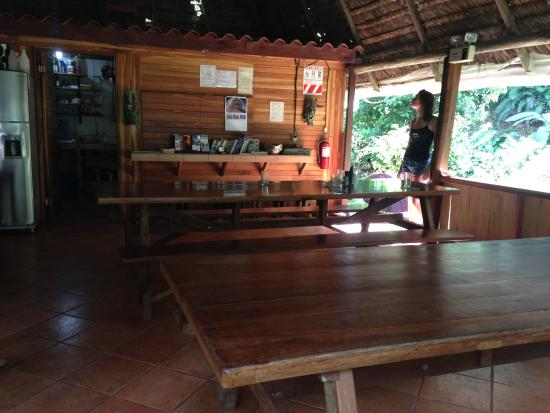 Suital Lodge: main lodge and dining area