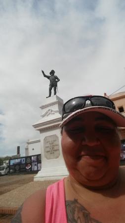 Juan Ponce de Leon Statue : Selfie in the Plaza LOL