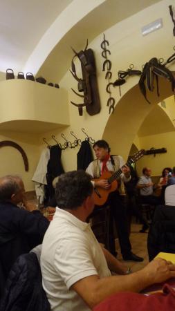La Gattabuia: Musica tipica