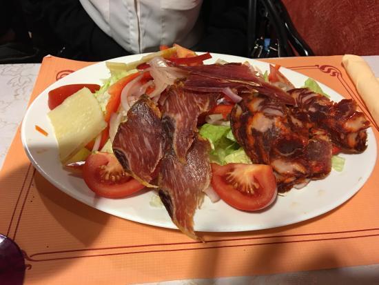 Melody's Bar Restaurant: photo2.jpg