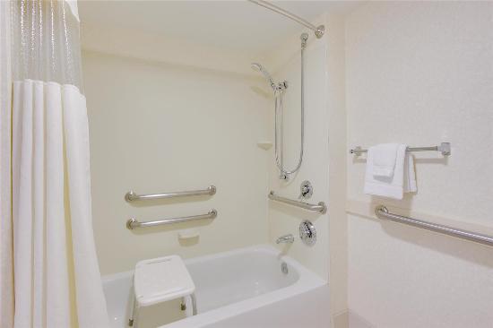 La Quinta Inn & Suites Newark - Elkton: Guest room