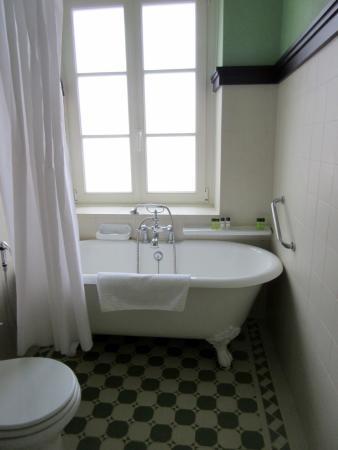 Pousada Convento de Evora: Claw-foot tub