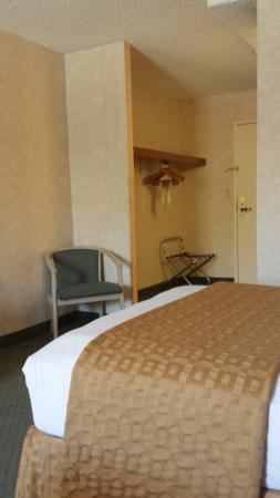 Clarion Hotel Anaheim Resort Photo