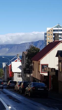 CenterHotel Thingholt: Reykjavic streets