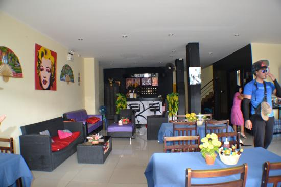 Suite Dreams Hotel: Reception