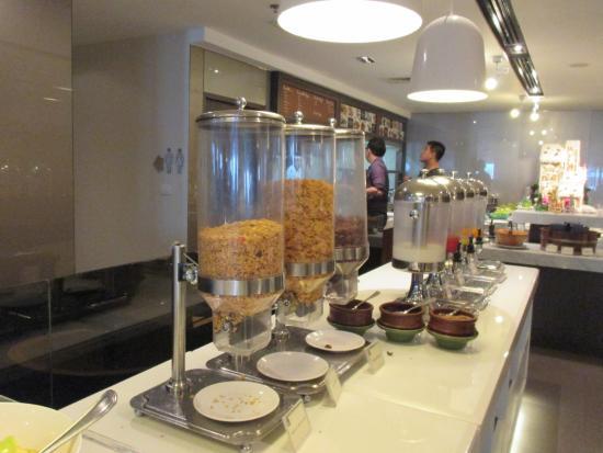 S31 Sukhumvit Hotel: อาหารเช้ามี การคัดสรร วัตถุดิบที่ดี มาให้ รับประทาน ครับ