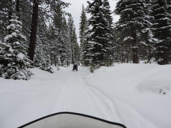 Eagle Ridge Snowmobile Outfitters : Eagle ridge trail