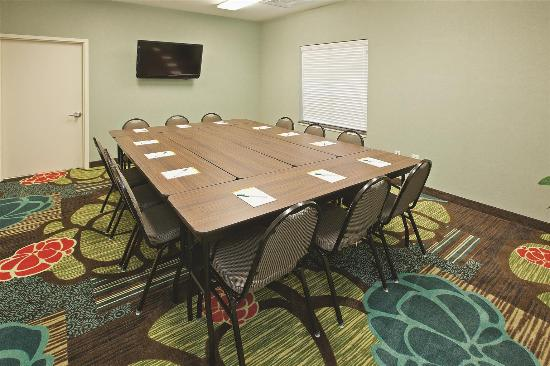 La Quinta Inn & Suites Columbus - Edinburgh: Meeting room