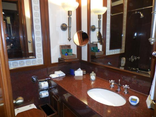 Bathroom Picture Of The Oberoi Grand Kolkata Calcutta Tripadvisor