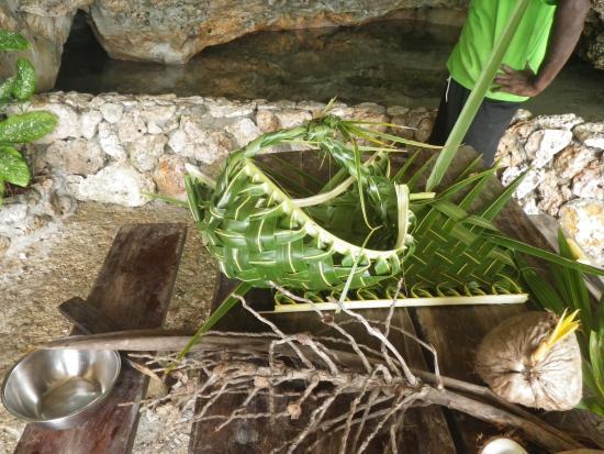Savasi Island Villas: Coconut Demonstation