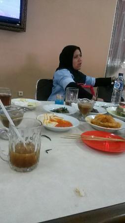 Rumah makan Padang Sederhana