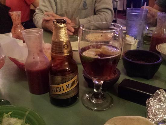 Stoughton, WI: Negra Modelo, Cerveza mas fina