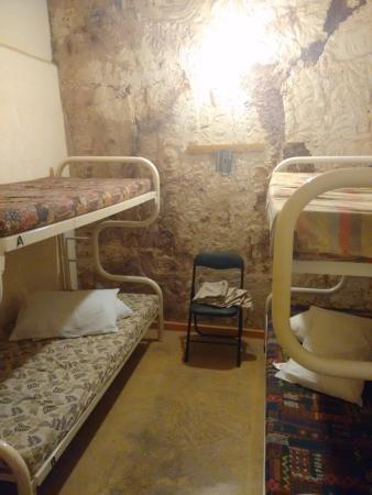 Radeka Downunder Underground Motel & Backpacker Inn: Underground Backpacker Bunks