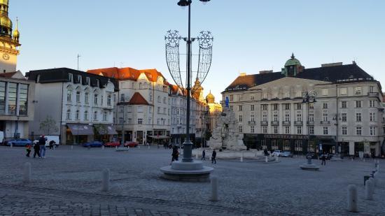 Brno, República Tcheca: Plac z fontanną