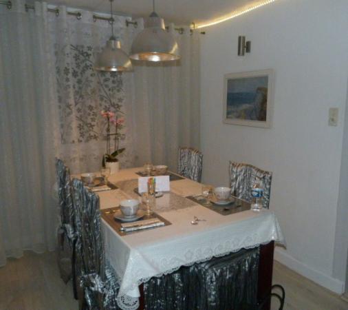 Table pr te pour petit d j photo de la maison blanche for Auberge de la maison blanche