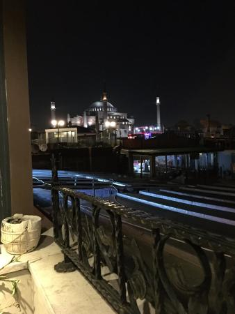 Tria Hotel Istanbul: View of the Blue Mosque from the roof top