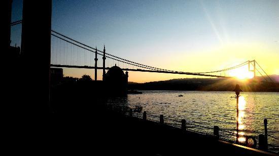 Feriye Lokantasi: Sunrise