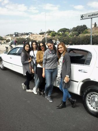 Roma Limousine Car Service - Tour: Limousine Lincoln