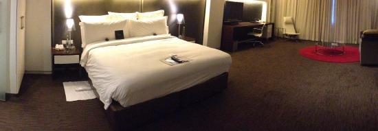 African Pride 15 On Orange Hotel: Very spacious room
