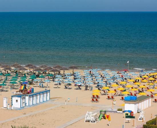 spiaggia privata hotel International