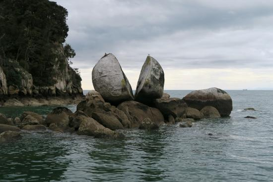 Everton Bed & Breakfast: Split Apple rock - Abel Tasam