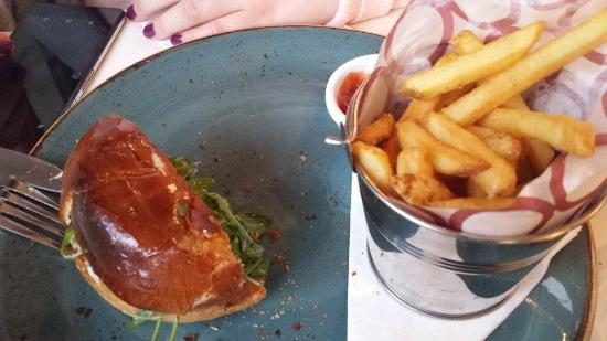 Ashford, Irlanda: lamb burger