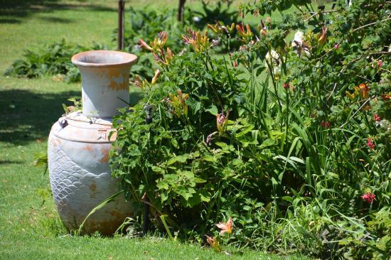 Donnybrook, Australia: Delightful gardens