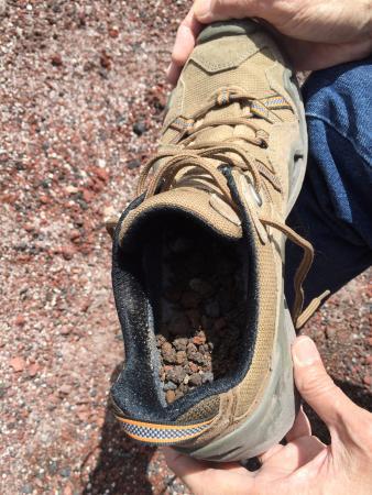 Mt. Tarawera: Pebbles in the shoe