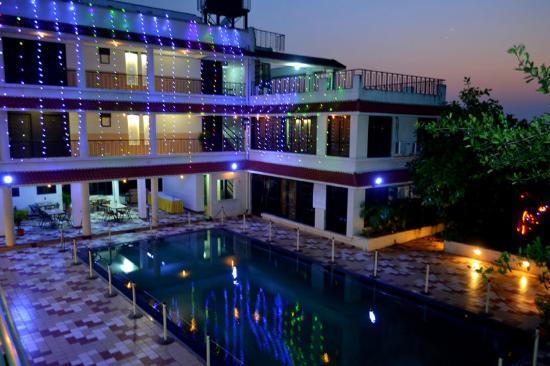 La Shimmer Resort Mumbai Bombay Indien Hotel Anmeldelser Sammenligning Af Priser