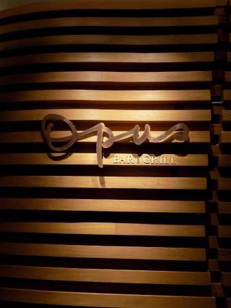 Hilton Singapore: Opus Bar & Grill