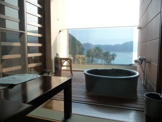 Marubun: 部屋の露天風呂からの眺め