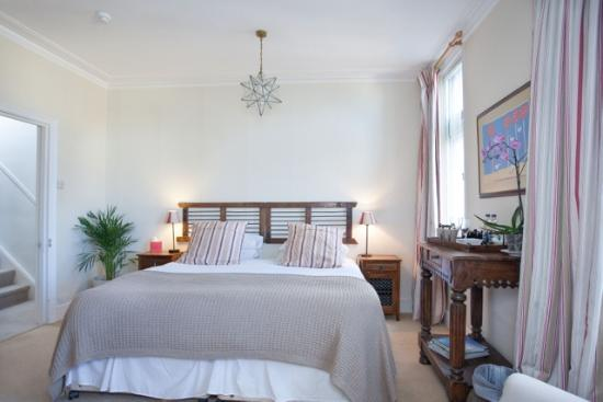 Abbey Rise Bed and Breakfast: Large double room