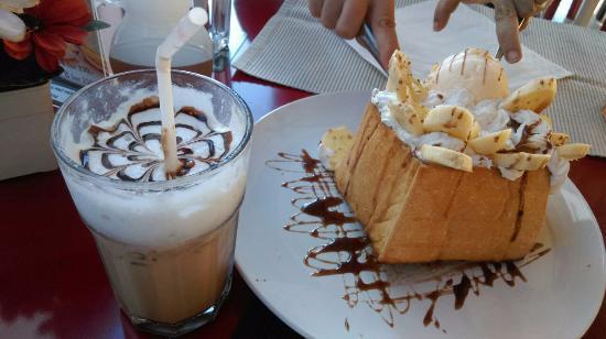 Pancake House: ฮันนี่โทส และม้อคค่าเย็น