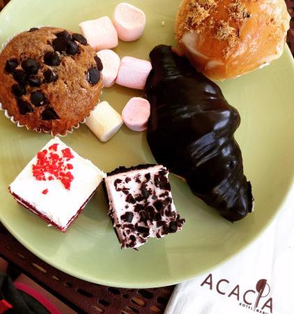 Acacia Hotel Manila: Breakfast set - Desserts