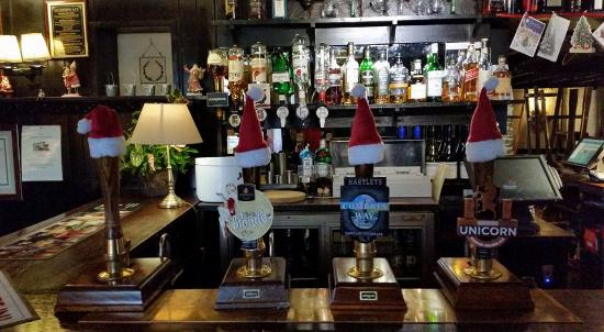 Tirril, UK: well stocked bar and real ales