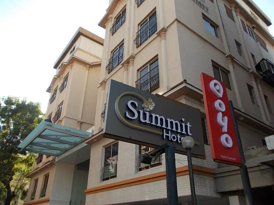 Hotel Summit: outside view