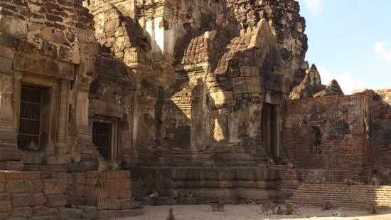 พระปรางสามยอด - Photo de Phra Prang Sam Yot, Lop Buri - TripAdvisor