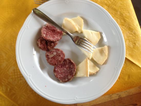 Cascina Forestina : Cotechino e formaggio..del territorio