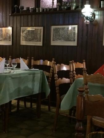Nideggen, Tyskland: Im Restaurant