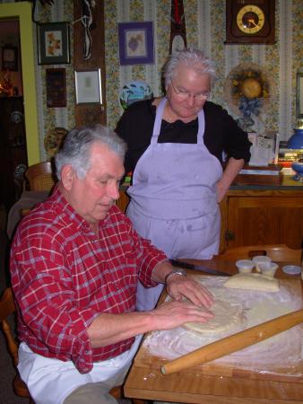 Combes Family Inn: Ruth & Bill - innkeepers & chefs!
