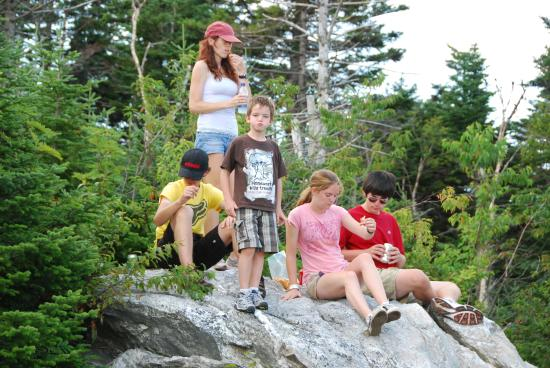 Combes Family Inn: Hiking all year-round.