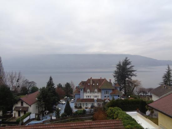 Les Terrasses du Lac: vista lago