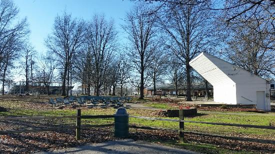 Olney City Park: Amphitheater