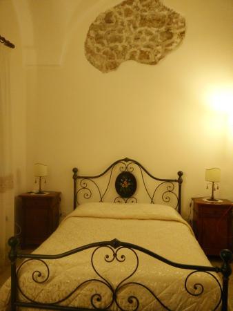 B&B Palazzo Corcioli: Camera e letto